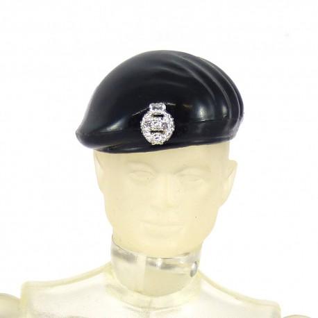 Béret noir avec écusson pour la tenue COMMANDANT DE TANK Action Joe